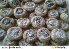 Vánoční oříškové koláčky, nejen pro Maju V recept - TopRecepty.cz Czech Recipes, Muffin, Cookies, Pizza, Breakfast, Cake, Christmas, Food, Crack Crackers