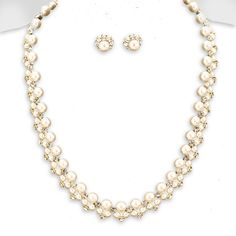 ROMANTIC CRYSTAL & PEARL CLUSTER NECKLACE SET $40 Price Includes Earrings  ---------- #WeddingJewelry #EastCoastOccasions #TheWeddingBoutique #Affordable #Timeless #Elegant #WeddingParty #Bridesmaids #BridalCollection #ElegantNecklace #BridalNecklace#BridesmaidsNecklace #Necklace #WeddingGuests #BridalJewelry EastCoastOccasions.com