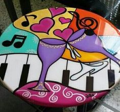Risultati immagini per por um mundo melhor romero brito Hand Painted Chairs, Painted Stools, Funky Painted Furniture, Paint Furniture, Ceramic Painting, Painting On Wood, Decoupage, Country Art, Stone Art