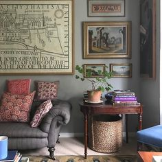 [New] The 10 Best Home Decor (with Pictures) - Love this space from classical architect George Suamarez Smith Home Interior, Decor Interior Design, Interior Decorating, Wabi Sabi, Interior Inspiration, Travel Inspiration, Decoration, Home And Living, Small Living