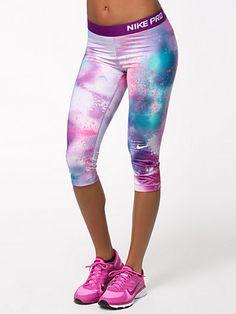 Nike Pro Splatter Capri - Nike - Grape - Tights - Sportsklær - Kvinne - Nelly.com