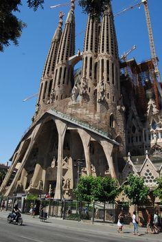 Sagrada Familia, Barcelona, Spain, by Antoni Gaudí