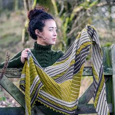 Lace 3 color shawl Tamdou by Melanie Berg in The Fibre Co. Cumbria Fingering
