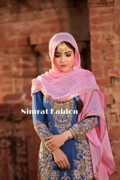 Featuring beautiful in Bareek zardosi on Persian blue rocks completely due to its heavy network all over the kurti. Punjabi Suits Designer Boutique, Boutique Suits, Indian Designer Suits, Embroidery Suits Punjabi, Embroidery Suits Design, Embroidery Dress, Punjabi Suits Party Wear, Punjabi Salwar Suits, Anarkali Suits