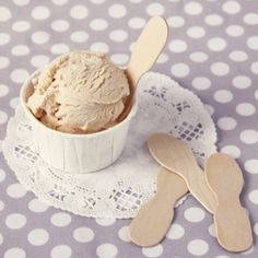 @Lindsay Barlow These would be fun to use instead of plastic spoons - wooden spoons 20 for $3