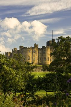 In seven months, I will be moving away from Big Lake, Minnesota.  This is going to be my new home <3 Alnwick Castle.
