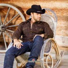 Preciosa combinación de jacquard y estilo vaquero para hombre
