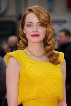 Do you love Emma Stone's bright pink lipstick? See more beauty on Wonderwall: http://on-msn.com/1rZnHUf