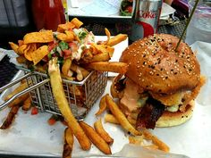 """Bacon Cheeseburger with Fries. Tasty, Yummy Food, Delicious Recipes, Snack Recipes, Snacks, Always Hungry, Food Diary, Fries, Bacon"