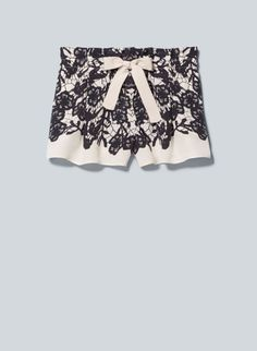 WANT: Perfect shorts for chasing summer <3 Wilfred Montrouge Shorts, now available at Aritzia.com. #lace