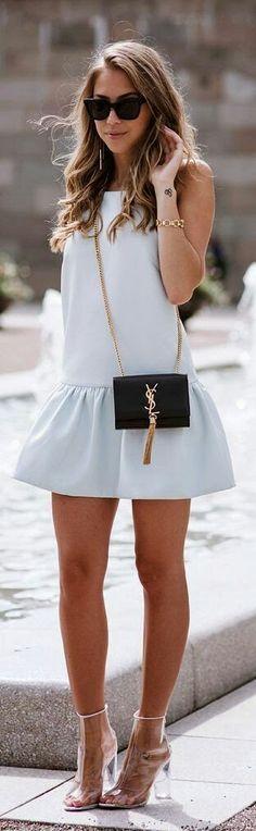 me gusta mucho el vestido y el bolso, los zapatos NO, porsupuesto