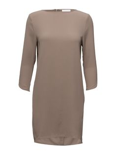 DAY - Rothko Concealed back zip closure Textured fabric length sleeves Boat neckline Cuff details Chic Feminine Feminine, modern and elegant Scandinavian Simple and innovative Dress Scandinavian, Feminine, Neckline, Turtle Neck, Boat, Closure, Zip, Elegant, Simple