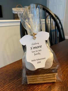 Adding S'MORE Love to Our Family Tags, S'more Baby shower favor tags, TAGS ONLY - Winter baby shower themes - Feierlichkeiten Fiesta Baby Shower, Baby Shower Fun, Baby Shower Parties, Baby Shower Themes, Teddy Bear Baby Shower, Outdoor Baby Showers, Baby Shower Stuff, Ideas For Baby Shower, Cheap Baby Shower Favors