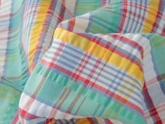 What says summer better than a brightly cheeked seersucker? Find this in the New In section. #seersucker #check #summerfabric #isew #memadewardrobe