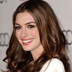 http://news-celebrity.net/anne-hathaway/