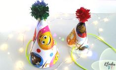 Czapeczki z torebek prezentowych - Klinik DIY Carnival, Christmas Ornaments, Holiday Decor, Diy, Home Decor, Decoration Home, Bricolage, Room Decor, Carnavals
