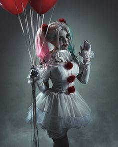 Trying to It My Mark With This Awesome It Halloween Cosplay Costume. Harley Quinn Halloween, Joker Und Harley Quinn, Harley Quinn Cosplay, Halloween Kostüm, Halloween Cosplay, Halloween Outfits, Halloween Costumes, Maquillage Halloween Clown, Harley Quinn Drawing