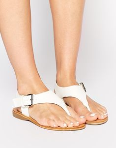 Shop Daisy Street White Thong Flat Sandals at ASOS. Asos Online Shopping, Online Shopping Clothes, Walk This Way, Platform Shoes, Latest Fashion Clothes, Shoe Collection, Flat Sandals, Birkenstock, High Heels