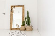 Feng Shui: qué es y cómo aplicarlo en tu hogar Source by valeriapaezok - Feng Shui, Decorating Blogs, Interior Decorating, Wooden Cabinets, Rectangular Rugs, Interior Design Tips, Home Decor Inspiration, Design Inspiration, Houston