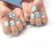 White and blue short nails - ChicLadies. Sun Nails, Fire Nails, Korean Nail Art, Kawaii Nails, Minimalist Nails, Best Acrylic Nails, Pastel Nails, Dream Nails, Stylish Nails