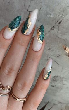 Edgy Nails, Dope Nails, Stylish Nails, Swag Nails, Edgy Nail Art, Gold Nail Art, How To Nail Art, Grunge Nail Art, Oval Nail Art