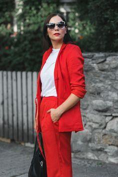 Herbst Outfit mit rotem Blazer, Blazer, Puma Snerker, Herbst Outfit in Rot, Outf. Outfits In Rot, Fashion Magazin, Mode Blog, Trends, Fall Winter Outfits, Influencer Marketing, Chic, Stella Mccartney, Lifestyle Magazin