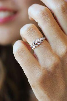 Twig white gold diamond ring ! amazing :)