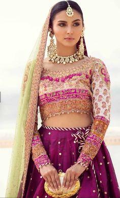 An Ivory pink Pakistani bridal block printed lehnga by famous dress designer Farah Talib Aziz. Bridal Mehndi Dresses, Desi Wedding Dresses, Pakistani Wedding Outfits, Bridal Dresses Online, Pakistani Bridal Dresses, Pakistani Dress Design, Bridal Outfits, Indian Dresses, Bridal Lehenga