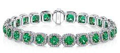#Jewelry Emerald and diamond platinum bracelet with 18k yellow gold prongs