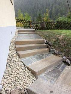 Ferienwohnungen Panorama: Renovierungs des Aufganges zum Ferienhaus Panorama Stairs, Home Decor, Cottage House, Stairway, Staircases, Interior Design, Ladders, Home Interior Design, Ladder