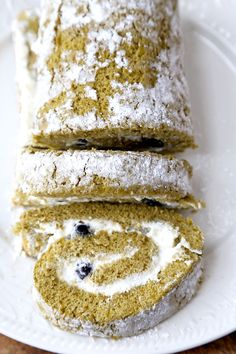 This is an easy and delicious Recipe for Low Sugar Matcha Roll Cake. Have your healthy cake and eat it too!