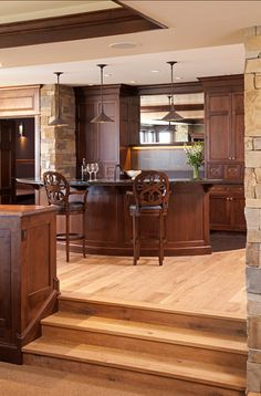HomeBunch.com | Dream Family Home | Residential Design: Peter Eskuche, AIA | Builder: Hendel Homes | Interior Design:The  Siting Room | Photographers: LandMark Photography by Jon Huelskamp