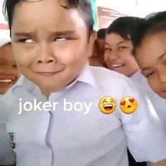 Really Funny Joke, Very Funny Memes, Latest Funny Jokes, Funny School Jokes, Cute Funny Quotes, Some Funny Jokes, Top Funny Videos, Cute Funny Baby Videos, Crazy Funny Videos