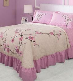Thank you for visiting my shop! The set includes: 1 X Bedspread 2 X Shams A brilliant product, especially and processed by JORGE'S. Colors i. Cheap Bedding Sets, Bedding Sets Online, Queen Bedding Sets, Comforter Sets, King Comforter, Bedclothes, Ruffle Bedding, Bed Covers, Bed Spreads