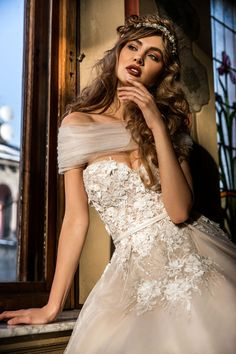 Haute-Couture wedding dress 2018 Collection Sposa dell'Amore for more visit: www.sposadelamore.ro