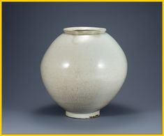 The academic name of this beautiful white porcelain is 'Large white porcelain'. But its nick name is more artistic, I think. That's 'Moon Jar'. The name comes from its shape and milky color to remind of full moon. This unique type of white porcelain is found only in Korea. Note the asymmetric shape, the round mouth larger than the base (it looks like floating in the sky...), milk-white color, thin cracks on the glazed surface... All these things embody the beauty of Joseon white porcelain…