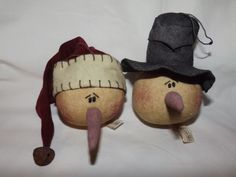 Set of 2 Honey & Me Tea Stained Primitive Snowman Head Ornaments NWT MSRP $18