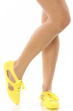 405ec621cfbc2f F-Troupe The Bathing Shoe in Yellow Plastic  Karmaloop Chaussures En  Plastique