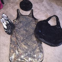 🆕 Bloomingdales Showstop Sparkle Dress Gold and black tunic sparkle tunic. Unique, edgy pattern. Also selling heels, sequin beret, and oversized snakeskin purse in my closet so you can get the entire outfit! All pieces in excellent, like-new condition. Aqua Dresses