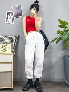 I Really like korean fashion outfits. Korean Fashion Trends, Korean Street Fashion, Korea Fashion, Asian Fashion, Korean Spring Fashion, Set Fashion, Fashion Models, Girl Fashion, Fashion Outfits