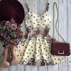 Such a cute outfit! Perfect for fall!
