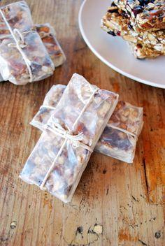 Barritas de avena - Ruin Tutorial and Ideas Healthy Brunch, Healthy Dessert Recipes, Smoothie Recipes, Baking Recipes, Healthy Snacks, Cereal Granola, Granola Bars, Baking Packaging, Brunch Bar
