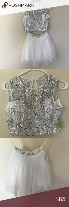 White Sequin Two Piece Dress Size 3 Beautiful Two Piece Set from windsor. Perfect for a formal night Windsor Dresses