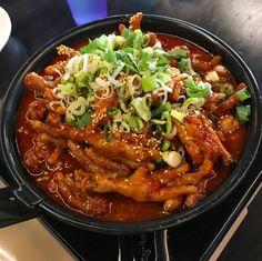 //10:08 am// @jettelag Korean Street Food, Korean Food, K Food, Food Porn, Home Food, Aesthetic Food, Food Cravings, Food Design, Picnics