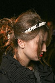 Headbands hold this style up