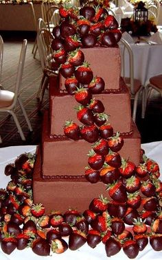 Strawberry and chic cake