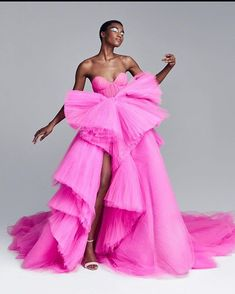 Naya Oliveiras in Ralph and Russo Couture AW 20 #fashion #blackgirlmagic #blackgirlsrock Style Couture, Couture Fashion, Runway Fashion, Haute Couture Clothes, Vogue Fashion, Couture Dresses, Fashion 2020, Curvy Fashion, Fashion Beauty