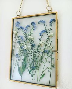 Framed pressed flowers Forget me nots corenne Flowers Forget FRAMED not is part of Home diy - Framed pressed flowers Forget me nots corenne Flowers Forget FRAMED not Framed pressed f Art Floral, Deco Floral, Pressed Flower Art, Pressed Flowers Frame, Frame With Flowers, Blue Flowers, Gift Flowers, Flower Frame, Flower Crafts