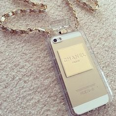 Cool little iPhone case/bag Iphone Accessories, Handbag Accessories, Chanel Iphone Case, Apple Online, Iphone 6, Iphone Cases, Apple Iphone, Fashion Tv, Ipad Tablet