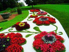 tisch mit gläserner oberfläche und gras formen - Gartengestaltung ...